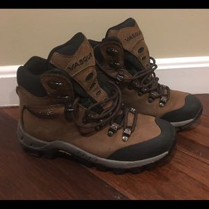 Vasque Shoes - Vasque waterproof winter boots (women size 7)
