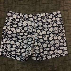 Ann Taylor signature floral shorts