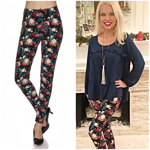 Soft brushed fabric floral leggings! 🌺Ships 29th!