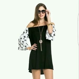 NEWOff the shoulder Black & White Tunic Dress