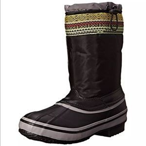 The Sak Shoes - NWB the Sak black embroidered snow boots