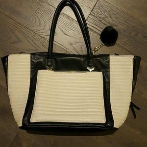 Steve Madden Handbags - Steve Madden handbag