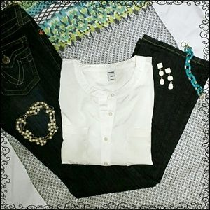EUC {Old Navy} Cool White Top