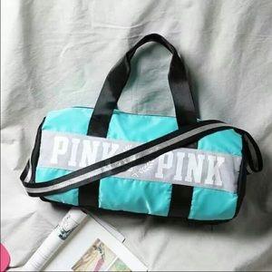 PINK V.S OVERNIGHT BAG