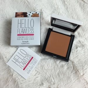BNIB NUTMEG BENEFIT HELLO FLAWLESS FACE POWDER