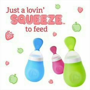 Munchkin Other - 1 Munchkin Squeeze Baby Food Dispensing Spoon