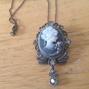 cameo Jewelry - Marcasite rhinestone lucite cameo necklace