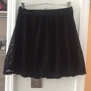 Nollie Dresses & Skirts - Cute Lacey Skirt!