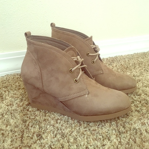 5fb4de493cc3 Canyon River Blues Taupe Wedge Booties