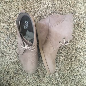 0452a4045e71 Canyon River Blues Shoes - Canyon River Blues Taupe Wedge Booties