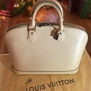 🎉SOLD!!! Off White Louis Vuitton Alma MM