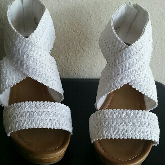 80 dept 222 shoes dept 222white crochet strappy