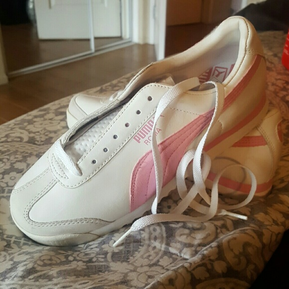Woman s Roma white pink Puma tennis shoes c0c286277