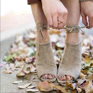 Steve Madden Shoes - Steve Madden Sophie suede taupe tie up heels 9.5