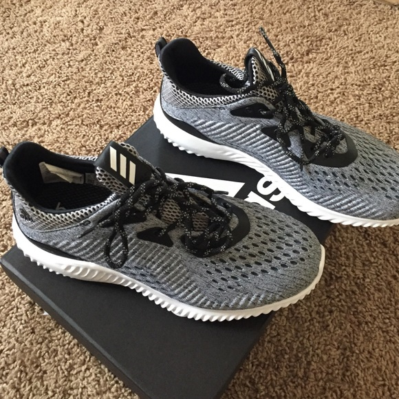 Adidas Alphabounce women's shoes size 7.5