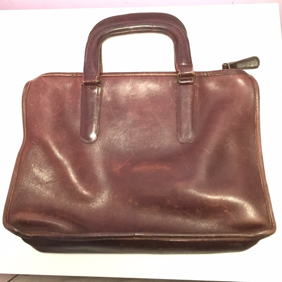 Coach Handbags - 🎉SALE-PRICE FIRM Vintage Brown Coach Slim Satchel efd5a5e86c