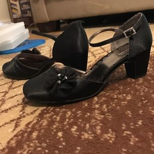 Brand new Kenneth Cole reaction Mary Jane shoes