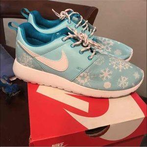 Nike Roshe Run Sz 8