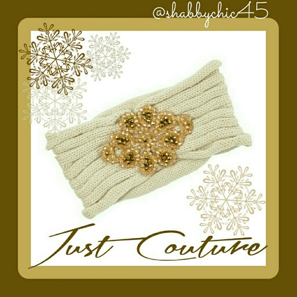 Just Couture Accessories - 💘HP💘Gorgeous Ivory and Gold Jeweled Head Wrap