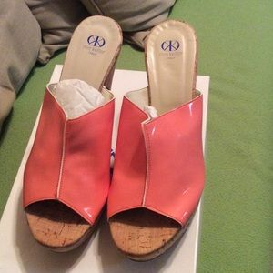 Dee Keller wedges