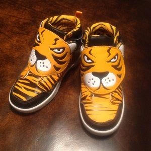 Toddler tiger hi-tops.