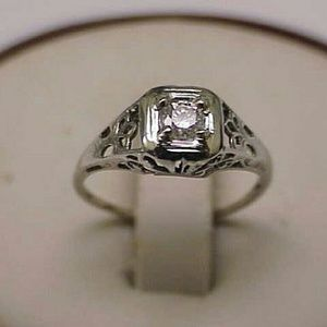 Jewelry - Art deco 14k gold. 20ct brilliant cut diamond ring