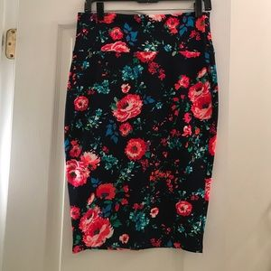 Floral print pencil skirt size L
