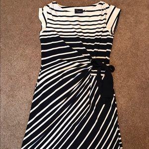 Just Taylor striped wrap dress work 4 6 8