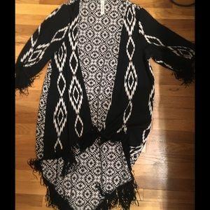 Nasty Gal Jackets & Blazers - Black and white fringe kimono