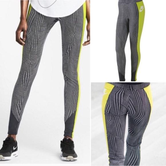 c846ab9924f6 Nike RU Fly Leggings