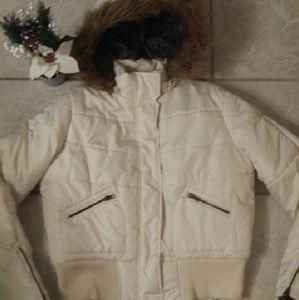Maralyn & Me Jackets & Blazers - 💖Cute Winter Cream/white Puffer Jacket💖