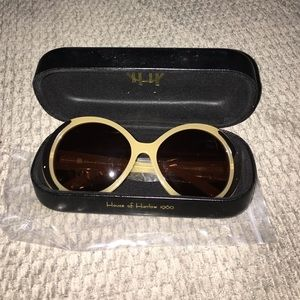 House of Harlow 1960 Accessories - NEW House of Harlow-NICOLE Pearl sunglasses!