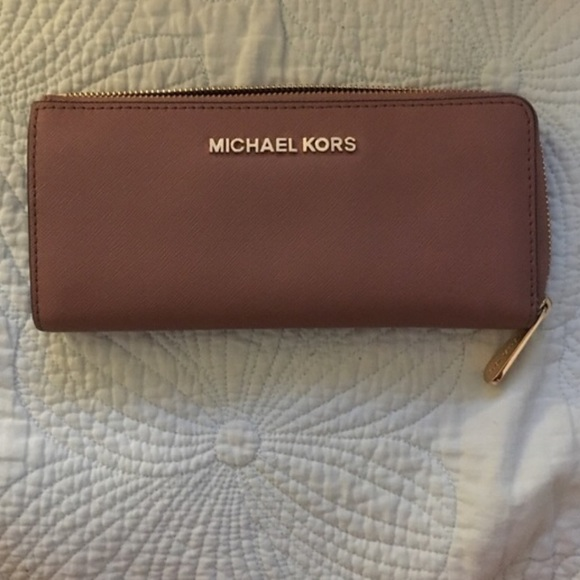 9236d93e841469 M_585c11717f0a05387600b2f5. Other Bags you may like. Michael Kors Wristlet  Phone Wallet