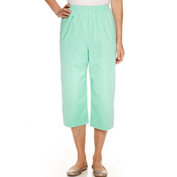 83% off Alfred Dunner Pants - Sale Alfred dunner mint Capri pants ...
