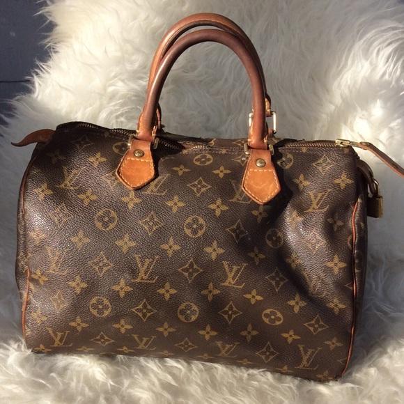 Louis Vuitton Handbags - Authentic Louis Vuitton Speedy 30 fb060ed2d1a71