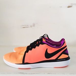 Nike Shoes - Nike lunar sculpt