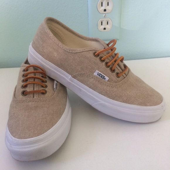 vans canvas tan