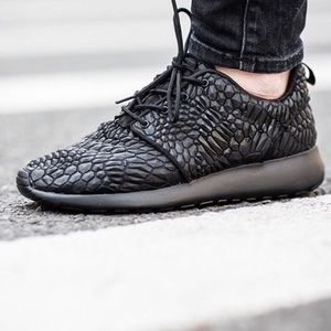 Nike Shoes - Nike Roshe one DMB shoes