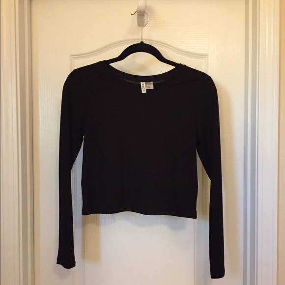 b87e26e7c0687 H M Tops - H M DIVIDED BLACK RIBBED LONG SLEEVE CROP TOP