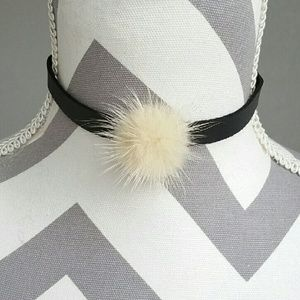 Jewelry - Faux fur & leather chocker