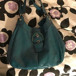 Coach real patent leather shoulder bag