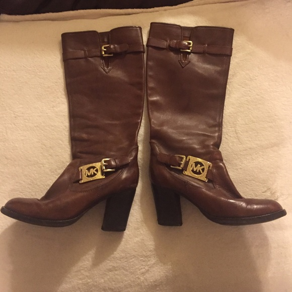 KORS Michael Kors Shoes - 🎉SALE🎉 Authentic Michael Kors Vintage size 8.5 7464f38c60c