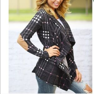 Vivacouture Sweaters - One Hour Sale ❤️Fabulous Chic Plaid Cardigan