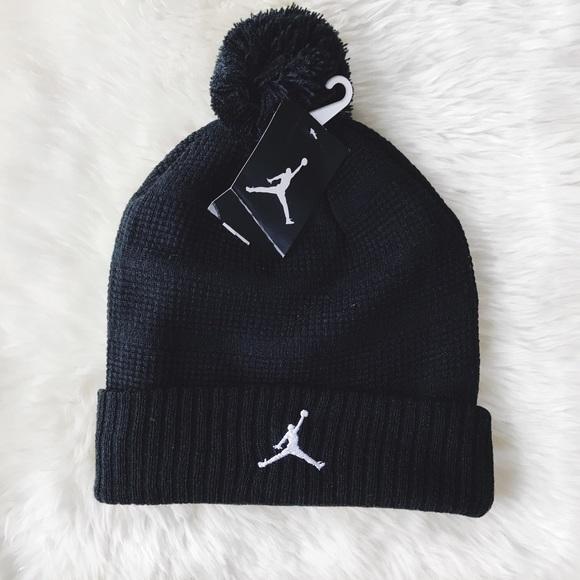 288e9b0077b20b Nike Air Jordan Jumpman Knit Pom Beanie