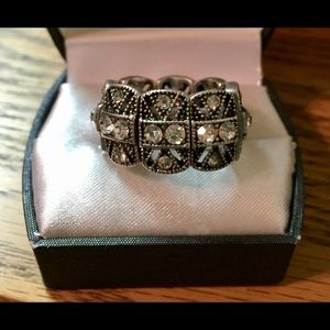 New stretch bling ring