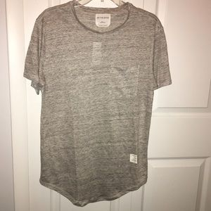 PacSun Other - Extended longer length gray linen tee On The Byas