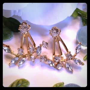 Jewelry - 🌸18K Gold🌸 Plated Leaf Crystal Earrings