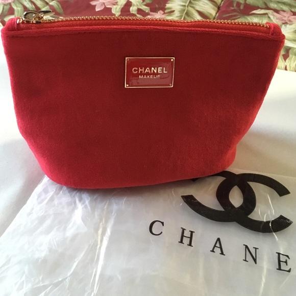 5dc100a7678d Chanel red velvet makeup bag