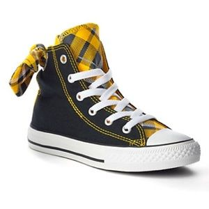 616ef83897e Converse Shoes - Beautiful Authentic Black and yellow converse