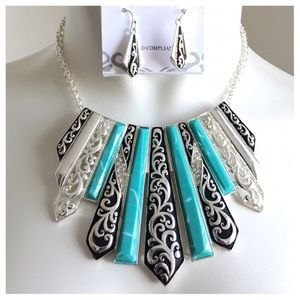 Jewelry - New - Antique Silver Turquoise Necklace Set